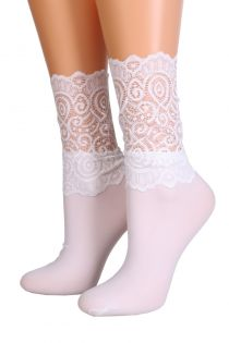 MADLE white socks with a lace edge for women | BestSockDrawer.com